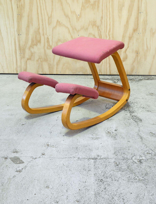 Kinnerup Antik & Porcelæn Ergonomisk stokke stol. * Model