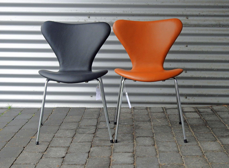 Kinnerup Antik & Porcelæn Arne Jacobsen * * 7'er stole i